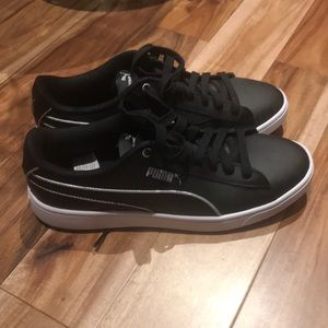 Puma womens leather sneakers